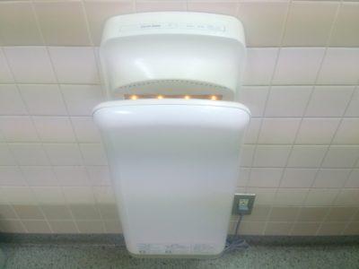 ジェットタオル 不衛生 雑菌 トイレ