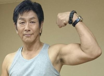 野村将希 筋肉 上腕二頭筋