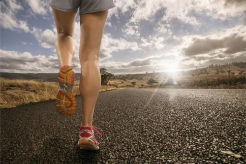 ジョギングで女性がダイエット